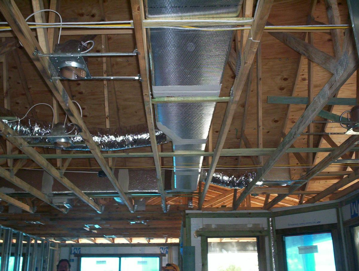 Ducts installed before ceiling