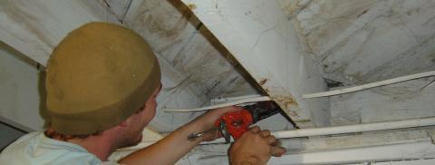 Air sealing gaps with sealant