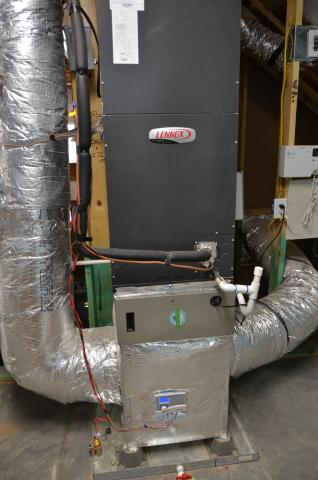 the high-efficiency air-to-air heat pump is set in an overflow
