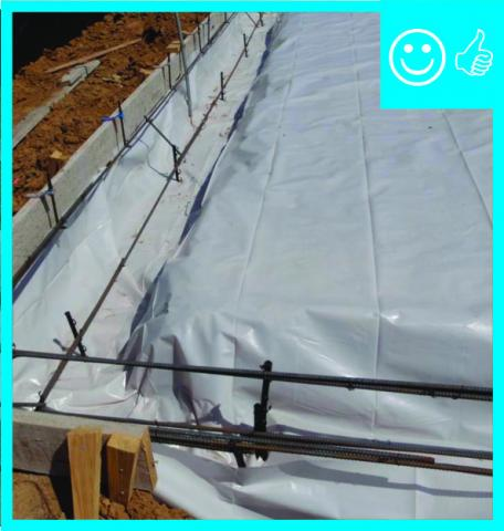 Right – Polyethylene sheeting is laid over aggregate and over footing to provide a capillary break between the ground and the slab and between the footing and the stem wall