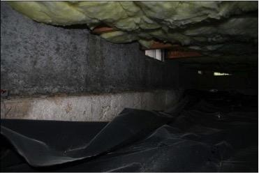 Wrong – The vapor barrier is not secured to the walls of this crawlspace.