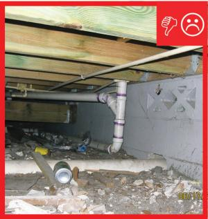 Wrong – No polyethylene sheeting vapor barrier is installed on the crawlspace floor
