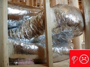 Wrong – Excessive bends in flex ducts