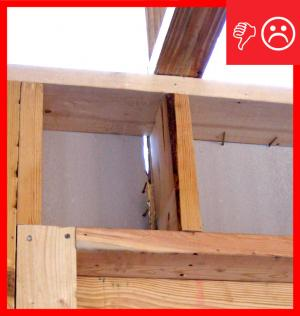 Wrong – A visible gap in the insulated sheathing introduces unwanted outside air, creating a thermal bypass and encouraging convective air flow